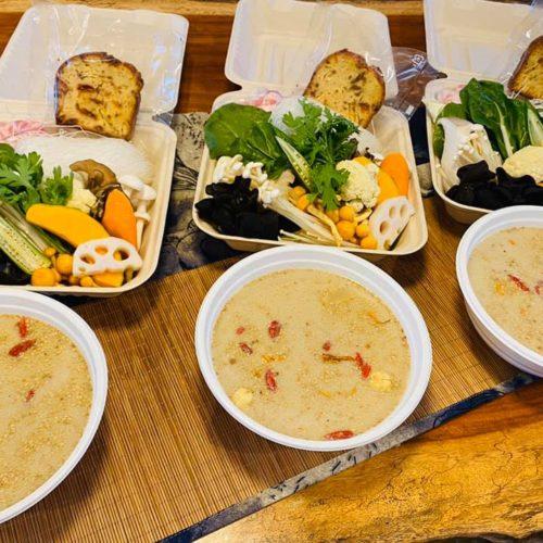 薬膳火鍋スープ+具材+薬膳ケーキ