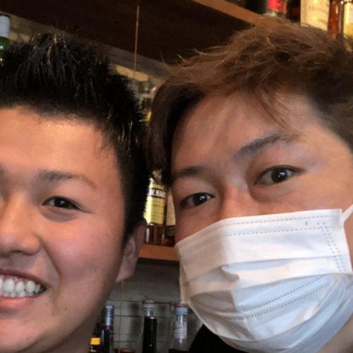 伊藤拓人(右)